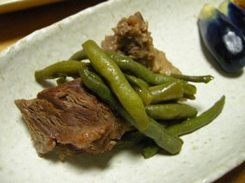 ササギと牛スジ肉の煮込み.JPG