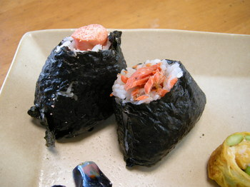 鮭結びにタラコ結び2.JPG