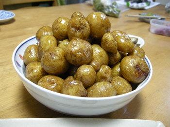 小芋の揚げ甘辛煮2.JPG