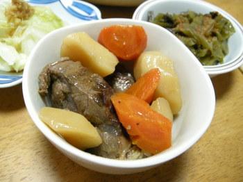 野菜とスネ肉の煮物.JPG